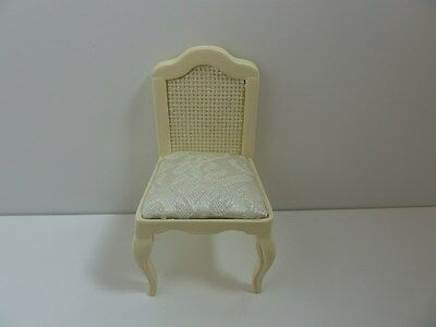Dolls House Miniature 1:12th Scale Bedroom Furniture Cream Chair With Fabric