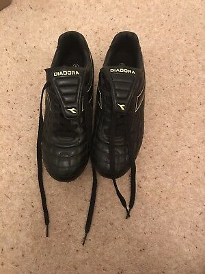 Ladies Size 8 Black Diadora Rugby Boots