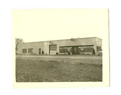 1950's PHOTO OF EASTERN TENNESSEE FORD DEALERSHIP