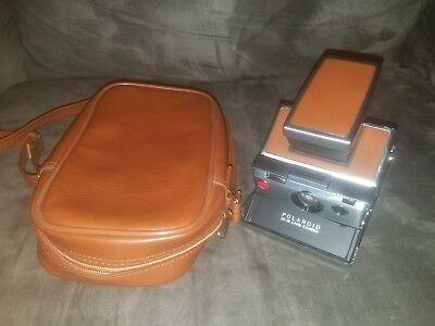 VINTAGE POLAROID SX-70 LAND CAMERA -No Reserve with case
