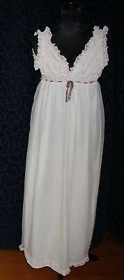 vintage nightie negligee champagne colour lace frills OLGA brand s12 nylon lined