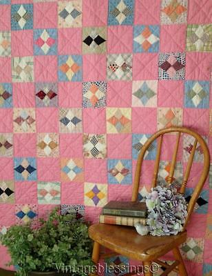 Pretty in Pink! Vintage 1930s Hummingbird in Square QUILT Cottage Sweet