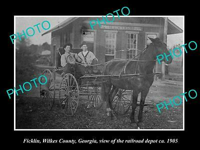 OLD LARGE HISTORIC PHOTO OF FICKLIN GEORGIA, THE RAILROAD DEPOT STATION c1905