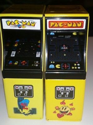 Pac Man Arcade Candy - 2 different versions / cabinets - miniature collectible