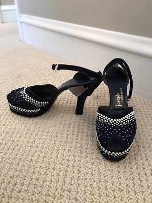 Women's Vintage 1940s shoes Size 7 Navy Blue with White Beads