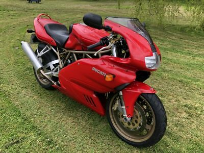 Ducati 900 SS Supersport Motorcycle Italian Classic Bike in Red 1998