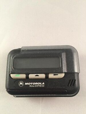 Motorola Memo Express Uhf Alphanumeric Pager With Holster