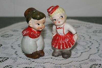 Vintage..ceramic...kissing Dutch Couple.....salt & Pepper Shakers...japan