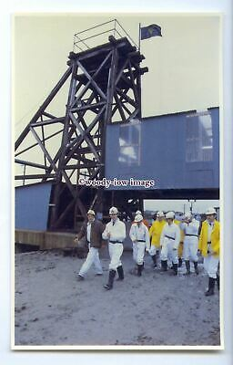 r2578 - Prince Charles visits the Wheal Concord Tin Mine, in Truro - postcard