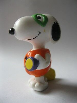 """SNOOPY GOES TRICK OR TREATING stamped PEANUTS solid plastic figurine about 2.25"""""""