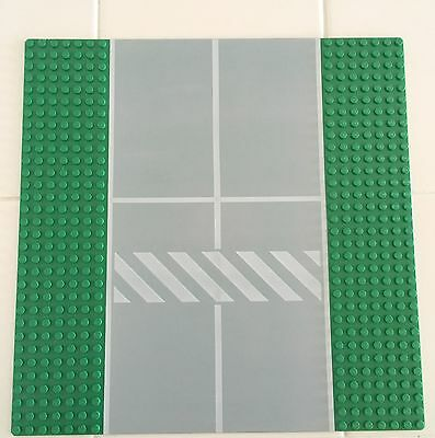 Vintage Lego 32x32 Grey Baseplate with White Lines Road Runway LEGO Bau- & Konstruktionsspielzeug