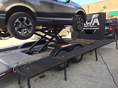 2015 Mobile Mechanic Trailer 22 foot with dovetail, built in hoist, tool storage