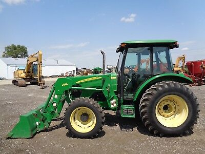 2006 John Deere 5525 Tractor, Cab/Heat/Air, 4WD, Loader, Power Reverser, 1440Hrs