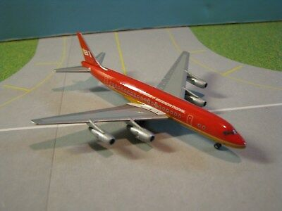 "Starjets (Sjbnf086) Braniff Dc8-50 ""flying Colors"" 1:500 Scale Diecast Model"