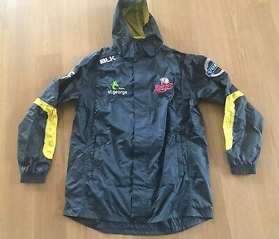 Queensland QLD Reds Super Rugby Wet Weather Training Jacket BLK Sz M BNWOT
