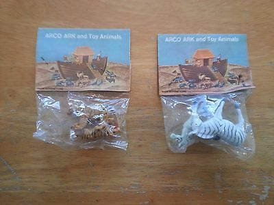 Arco gas station Noahs ark n.o.s. one pack of 2 zebras & 1 pack of 2 tigers