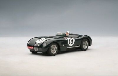 AutoArt 13571 Jaguar C-Type LM WINNER 1953 ROLT/HAMILTON #18 (RACING GREEN)