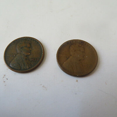 Coin Us  1922 D  And 1922 D Weak Strike Small Cents