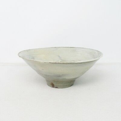 B678: Korean HAKEME-CHAWAN tea bowl of appropriate Joseon style pottery