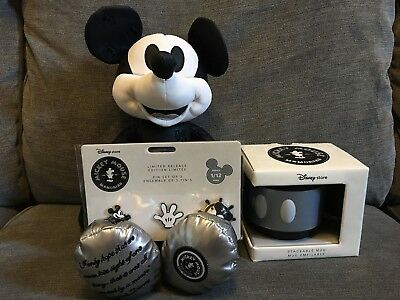 Disney Memorial Collection Steamboat Mickey Mouse January Release Mug and Pins