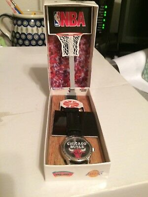 Relic Chicago Bulls watch with black band