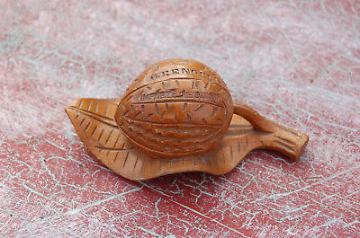 Antique Small box wooden shaped nuts on a sheet - Grenoble