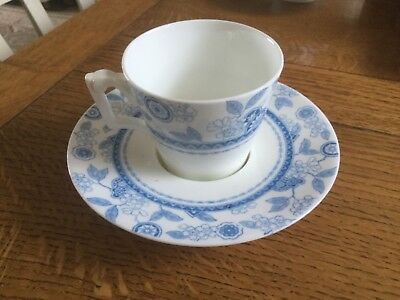 Trembleuse cup and saucer