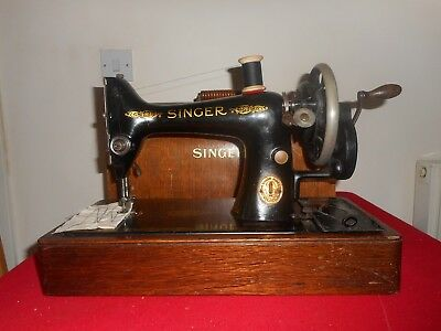 Vintage Singer 99K Hand Crank Sewing Machine With Bow Case