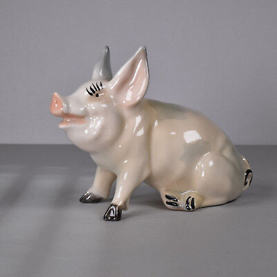 BESWICK PIG #832, Early Vintage Model, Cute Farm Animal, Comical, Good Condition