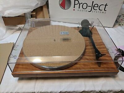 Project 1Xpression Carbon Classic Turntable - Olive