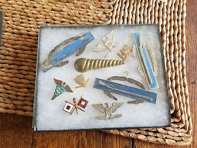 VINTAGE WWII WWI and OTHERS LOT OF MILITARY PINS BUTTONS