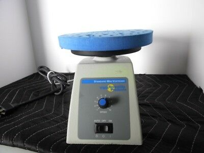 VWR Standard Mini Vortexer with Foam Insert for Microtubes