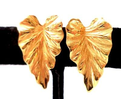 "Stunning Vintage Estate Signed Monet Flower Leaf 3/4"" Clip Earrings!!! 9754N"