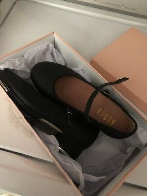 NEW black bloch tap shoes size 5 (Girls)