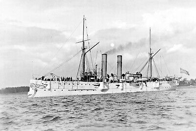 1895-USS Detroit at Anchor-C-10 was an Unprotected Montgomery Class Cruiser