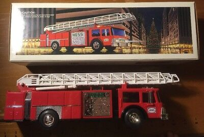 Hess Toy Fire Truck Bank 1986 Headlights And Flashing Dome Lights