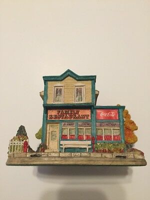 """Coca-Cola Country """"Mmm..Just Like Home"""" #L2073 by Lilliput Lane Ray Day 1996"""