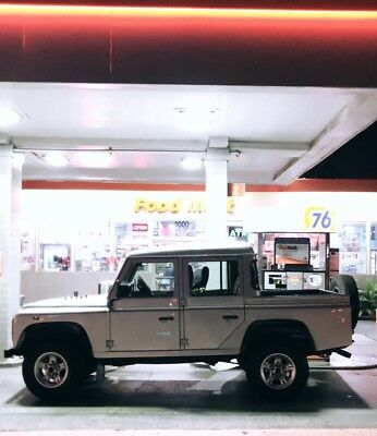 1990 Land Rover Defender Model 110