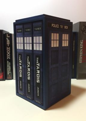 - The Tardis -  Doctor Who Concealed Compartment Book Safe Box