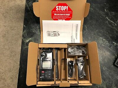 New! Standard Horizon HX400IS Handheld Marine VHF FM Transceiver *Free Shipping*