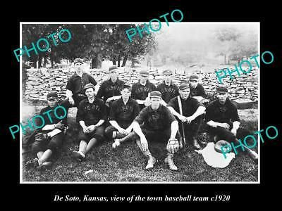 OLD LARGE HISTORIC PHOTO DE SOTO KANSAS, THE TOWN BASEBALL TEAM c1920