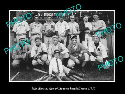 OLD LARGE HISTORIC PHOTO IOLA KANSAS, THE TOWN BASEBALL TEAM c1910