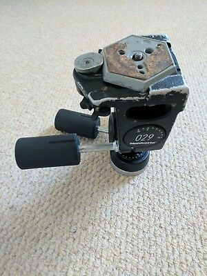 Manfrotto 029 heavy duty 3-way head with 030-14 / 38 quick release plate.