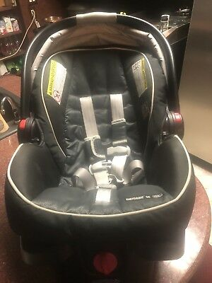 Graco Snugride Snuglock 35 Platinum Infant Car Seat and Adjustable Base