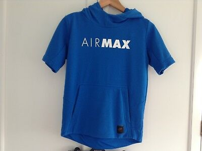 Nike Air Max boys short sleeved tracksuit & shorts light blue