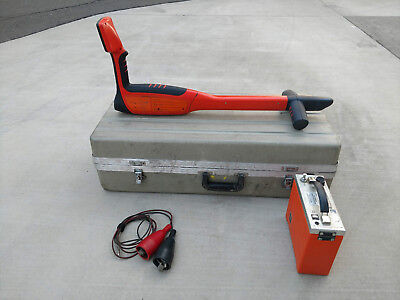 Metrotech 810DX Cable Pipe Locator and 810 Transmitter  with case