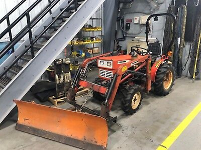 Yanmar YM165D Tractor 16 hp Diesel Engine with 6 attachments