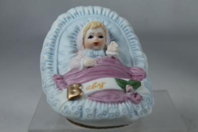 Growing Up Girls- New Born Blonde #E - 3399 Beautiful New In Box
