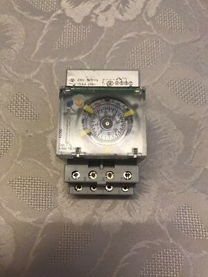 Schneider Electric Time Switch IH 24H +7J ARM 150H Mechanical Timer Switch 15366