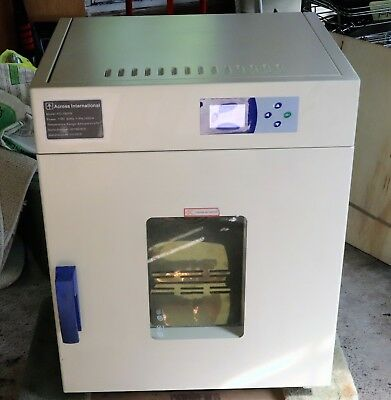 Across International Lab Digital Forced Air Convection Oven 2.5 Cu Ft 570°F/300°